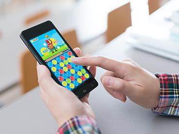 Game live mobile screen distribution